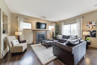 Photo 2: 3196 WHITELAW Drive in Edmonton: Zone 56 House for sale : MLS®# E4152456