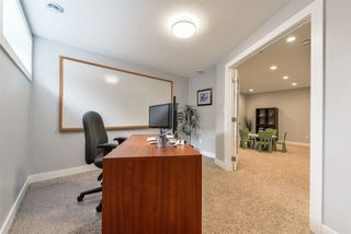 Photo 24: 3196 WHITELAW Drive in Edmonton: Zone 56 House for sale : MLS®# E4152456