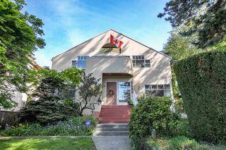 Photo 1: 3335 W 39TH Avenue in Vancouver: Dunbar House for sale (Vancouver West)  : MLS®# R2367396