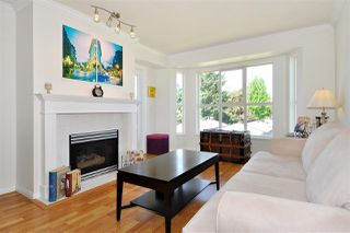 Photo 1: 301 2393 WELCHER Avenue in Port Coquitlam: Central Pt Coquitlam Condo for sale : MLS®# R2367589