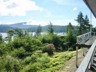 "Photo 3: 347 SKYLINE Drive in Gibsons: Gibsons & Area House for sale in ""The Bluff"" (Sunshine Coast)  : MLS®# R2369735"