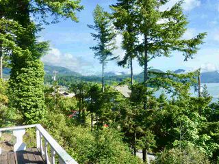"Photo 1: 347 SKYLINE Drive in Gibsons: Gibsons & Area House for sale in ""The Bluff"" (Sunshine Coast)  : MLS®# R2369735"