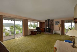 """Photo 10: 347 SKYLINE Drive in Gibsons: Gibsons & Area House for sale in """"The Bluff"""" (Sunshine Coast)  : MLS®# R2369735"""