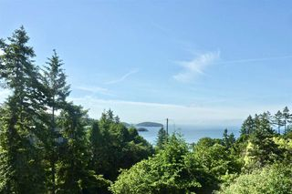 "Photo 2: 347 SKYLINE Drive in Gibsons: Gibsons & Area House for sale in ""The Bluff"" (Sunshine Coast)  : MLS®# R2369735"