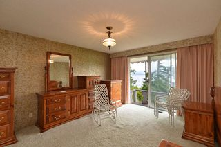 """Photo 16: 347 SKYLINE Drive in Gibsons: Gibsons & Area House for sale in """"The Bluff"""" (Sunshine Coast)  : MLS®# R2369735"""
