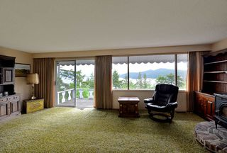 """Photo 11: 347 SKYLINE Drive in Gibsons: Gibsons & Area House for sale in """"The Bluff"""" (Sunshine Coast)  : MLS®# R2369735"""