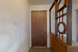 Photo 3: 16509 90 Avenue in Edmonton: Zone 22 House for sale : MLS®# E4161522