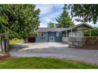 Photo 2: 5900 BAYNES Street in Abbotsford: Bradner House for sale : MLS®# R2380000