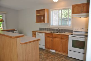"Photo 9: 110 4510 SUNSHINE COAST Highway in Sechelt: Sechelt District Manufactured Home for sale in ""The Newer Big Maples Mobile Community"" (Sunshine Coast)  : MLS®# R2383277"