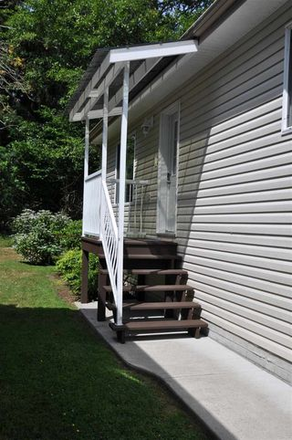 "Photo 18: 110 4510 SUNSHINE COAST Highway in Sechelt: Sechelt District Manufactured Home for sale in ""The Newer Big Maples Mobile Community"" (Sunshine Coast)  : MLS®# R2383277"