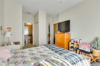 "Photo 18: 309 22290 NORTH Avenue in Maple Ridge: West Central Condo for sale in ""SOLO"" : MLS®# R2391138"