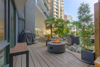 """Photo 15: 301 68 SMITHE Street in Vancouver: Downtown VW Condo for sale in """"One Pacific"""" (Vancouver West)  : MLS®# R2396094"""