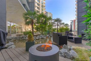 """Photo 3: 301 68 SMITHE Street in Vancouver: Downtown VW Condo for sale in """"One Pacific"""" (Vancouver West)  : MLS®# R2396094"""