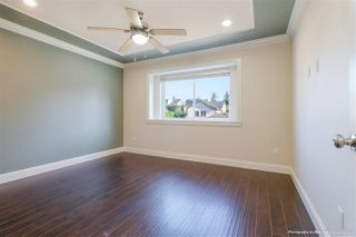 Photo 10: 8062 19TH Avenue in Burnaby: East Burnaby House 1/2 Duplex for sale (Burnaby East)  : MLS®# R2401062