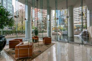 """Photo 19: 1502 1200 ALBERNI Street in Vancouver: West End VW Condo for sale in """"PALISADES"""" (Vancouver West)  : MLS®# R2411151"""