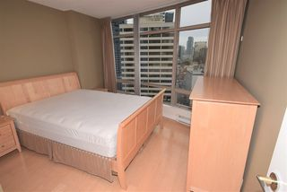 """Photo 4: 1502 1200 ALBERNI Street in Vancouver: West End VW Condo for sale in """"PALISADES"""" (Vancouver West)  : MLS®# R2411151"""