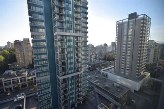 """Photo 15: 1502 1200 ALBERNI Street in Vancouver: West End VW Condo for sale in """"PALISADES"""" (Vancouver West)  : MLS®# R2411151"""