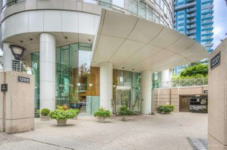 """Photo 17: 1502 1200 ALBERNI Street in Vancouver: West End VW Condo for sale in """"PALISADES"""" (Vancouver West)  : MLS®# R2411151"""