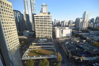 """Photo 16: 1502 1200 ALBERNI Street in Vancouver: West End VW Condo for sale in """"PALISADES"""" (Vancouver West)  : MLS®# R2411151"""