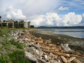 Main Photo: 3304 27 S Island Hwy in CAMPBELL RIVER: CR Campbell River Central Condo for sale (Campbell River)  : MLS®# 835531