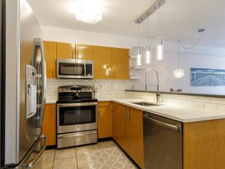 Photo 16: 204 2490 W 2 AVENUE in Vancouver: Kitsilano Condo for sale (Vancouver West)  : MLS®# R2466357