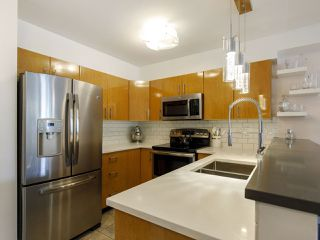 Photo 14: 204 2490 W 2 AVENUE in Vancouver: Kitsilano Condo for sale (Vancouver West)  : MLS®# R2466357