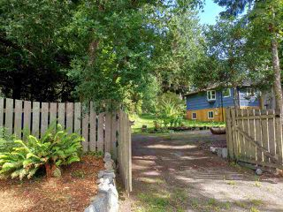Photo 3: 5623 OSPREY Street in Sechelt: Sechelt District House for sale (Sunshine Coast)  : MLS®# R2479745