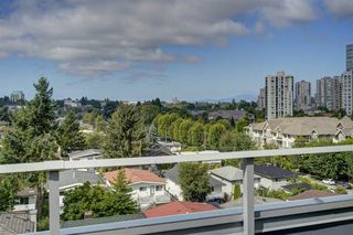 "Photo 23: 521 5598 ORMIDALE Street in Vancouver: Collingwood VE Condo for sale in ""WALL CENTER CENTRAL PARK"" (Vancouver East)  : MLS®# R2495888"