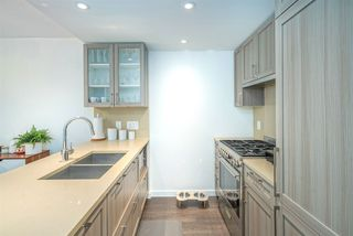 "Photo 9: 521 5598 ORMIDALE Street in Vancouver: Collingwood VE Condo for sale in ""WALL CENTER CENTRAL PARK"" (Vancouver East)  : MLS®# R2495888"