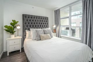 "Photo 14: 521 5598 ORMIDALE Street in Vancouver: Collingwood VE Condo for sale in ""WALL CENTER CENTRAL PARK"" (Vancouver East)  : MLS®# R2495888"