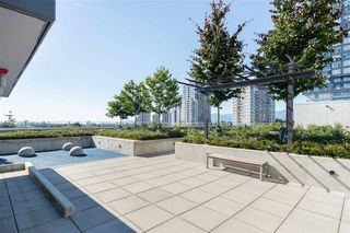 "Photo 21: 521 5598 ORMIDALE Street in Vancouver: Collingwood VE Condo for sale in ""WALL CENTER CENTRAL PARK"" (Vancouver East)  : MLS®# R2495888"