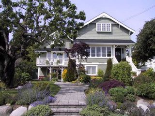 Main Photo: 554 East 7th St in North Vancouver: Lower Lonsdale House for sale : MLS®# 394831