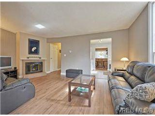 Photo 3: A 2999 Glen Lake Road in VICTORIA: La Glen Lake Strata Duplex Unit for sale (Langford)  : MLS®# 299031