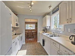 Photo 8: A 2999 Glen Lake Road in VICTORIA: La Glen Lake Strata Duplex Unit for sale (Langford)  : MLS®# 299031