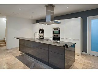 """Photo 8: 1125 W CORDOVA Street in Vancouver: Coal Harbour Townhouse for sale in """"HARBOUR GREEN 3"""" (Vancouver West)  : MLS®# V1041476"""