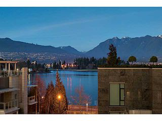 """Photo 1: 1125 W CORDOVA Street in Vancouver: Coal Harbour Townhouse for sale in """"HARBOUR GREEN 3"""" (Vancouver West)  : MLS®# V1041476"""