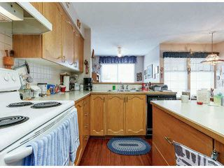 """Photo 10: 25 9168 FLEETWOOD Way in Surrey: Fleetwood Tynehead Townhouse for sale in """"FOUNTAINS"""" : MLS®# F1403191"""