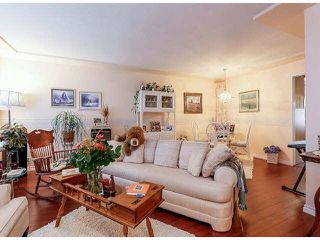 "Photo 4: 25 9168 FLEETWOOD Way in Surrey: Fleetwood Tynehead Townhouse for sale in ""FOUNTAINS"" : MLS®# F1403191"