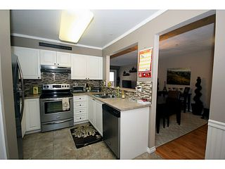 """Photo 4: 303 1369 56TH Street in Tsawwassen: Cliff Drive Condo for sale in """"WINDSOR WOODS"""" : MLS®# V1058520"""