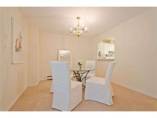 """Photo 9: 102 15111 RUSSELL Avenue: White Rock Condo for sale in """"Pacific Terrace"""" (South Surrey White Rock)  : MLS®# F1413147"""