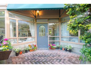 """Photo 2: 102 15111 RUSSELL Avenue: White Rock Condo for sale in """"Pacific Terrace"""" (South Surrey White Rock)  : MLS®# F1413147"""