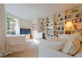 """Photo 5: 102 15111 RUSSELL Avenue: White Rock Condo for sale in """"Pacific Terrace"""" (South Surrey White Rock)  : MLS®# F1413147"""
