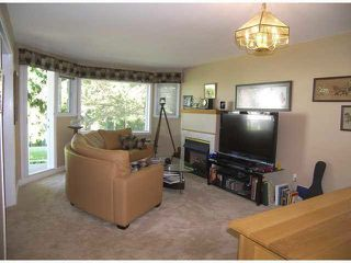 "Photo 5: 208 13965 16TH Avenue in Surrey: Sunnyside Park Surrey Condo for sale in ""WHITE ROCK VILLAGE"" (South Surrey White Rock)  : MLS®# F1445808"