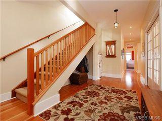 Photo 3: 1226 Roslyn Road in VICTORIA: OB South Oak Bay Single Family Detached for sale (Oak Bay)  : MLS®# 362322