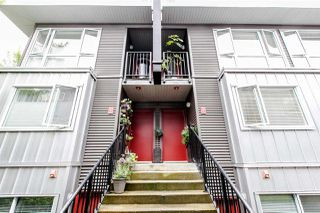 """Photo 1: 214 672 W 6TH Avenue in Vancouver: Fairview VW Townhouse for sale in """"BOHEMIA"""" (Vancouver West)  : MLS®# R2080724"""
