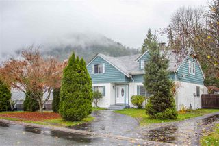 "Photo 1: 41318 KINGSWOOD Road in Squamish: Brackendale House for sale in ""Eagle Run"" : MLS®# R2122641"