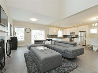 Photo 4: 2389 Lund Rd in VICTORIA: VR Six Mile Single Family Detached for sale (View Royal)  : MLS®# 746537