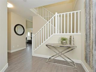 Photo 12: 2389 Lund Rd in VICTORIA: VR Six Mile Single Family Detached for sale (View Royal)  : MLS®# 746537