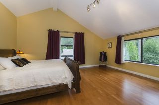 Photo 11: 1940 WESTOVER Road in North Vancouver: Lynn Valley House for sale : MLS®# R2134110