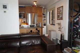 """Photo 10: 204 2424 CYPRESS Street in Vancouver: Kitsilano Condo for sale in """"Cypress Place"""" (Vancouver West)  : MLS®# R2152503"""